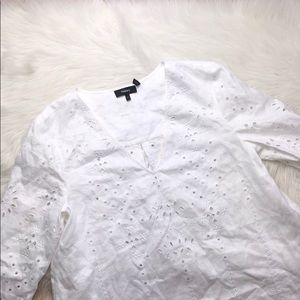 THEORY WHITE LINEN EMBROIDERED V CUT TUNIC L